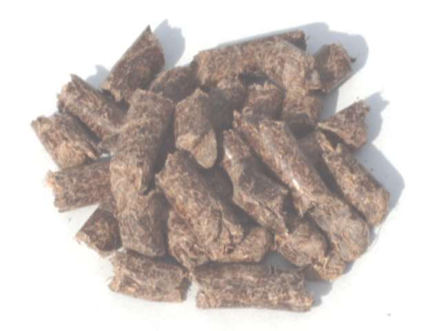 木質バイオマス燃料は、製品として使われない 残材を加工成形した固形燃料です。